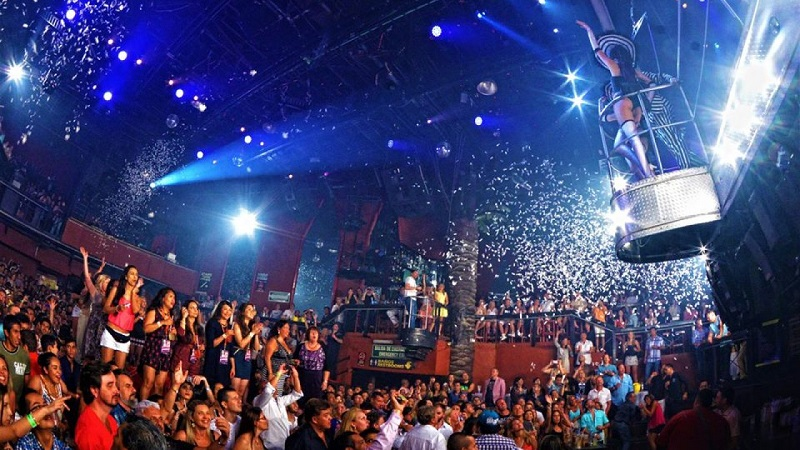Show na balada Coco Bongo em Cancún