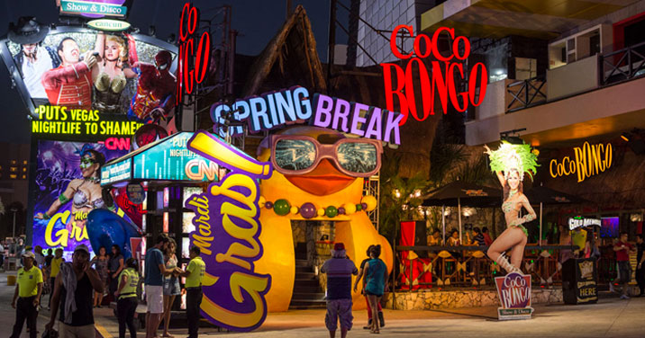 Vida noturna em Cancún