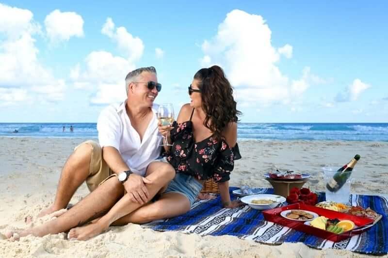 Praia Chac Mool para casais apaixonados em Cancún