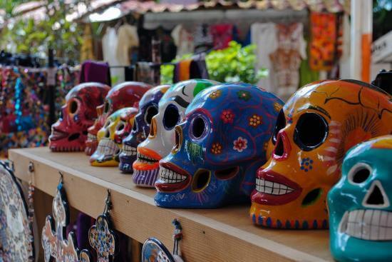 Caveiras mexicanas vendidas no Mercado 28