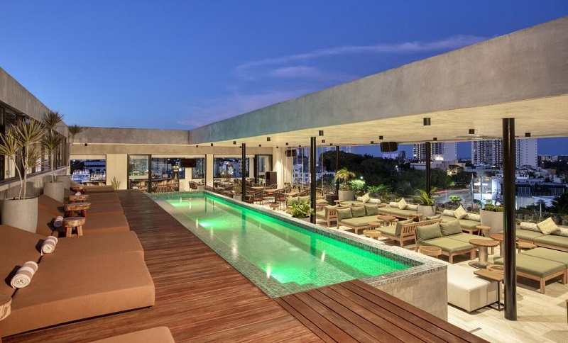 Piscina de hotel em Cancún