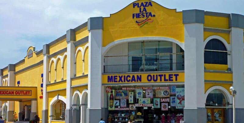 Plaza La Fiesta - Compras em Cancún