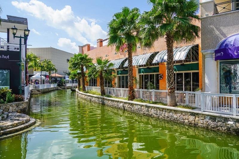 Shopping Plaza La Isla - Canal