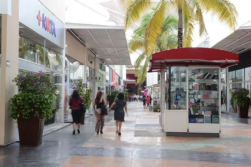 Lojas no Las Plazas Outlet em Cancún