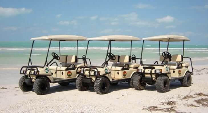 Carrinho de golfe na Isla Mujeres em Cancún