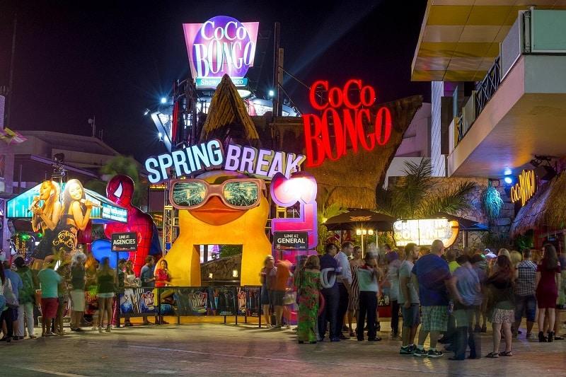 Entrada da Coco Bongo em Cancún