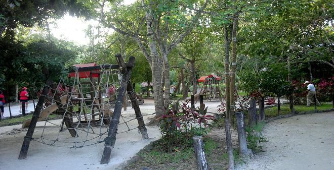 Lazer e entretenimento no Urbano Kabah Park em Cancún