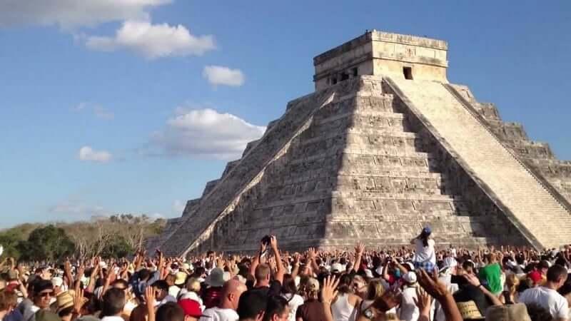 Beleza das pirâmides maias próximas a Cancún