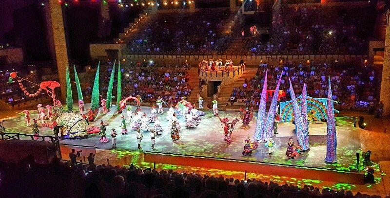 Shows e performances no parque Xcaret