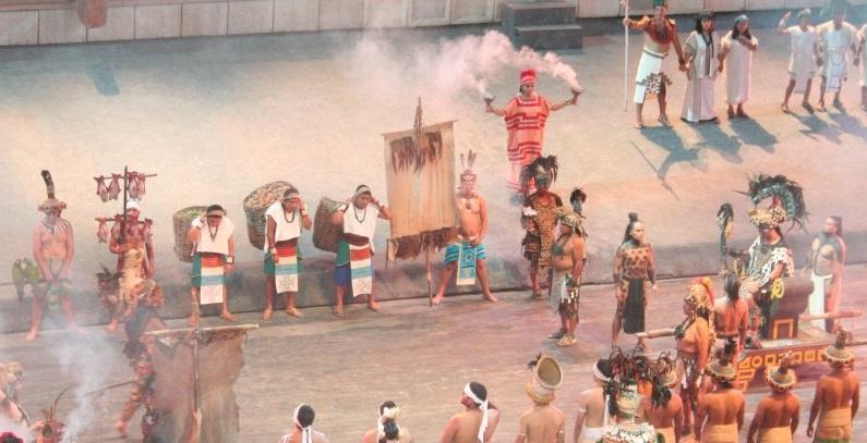 Apresentação cultural no parque Xcaret