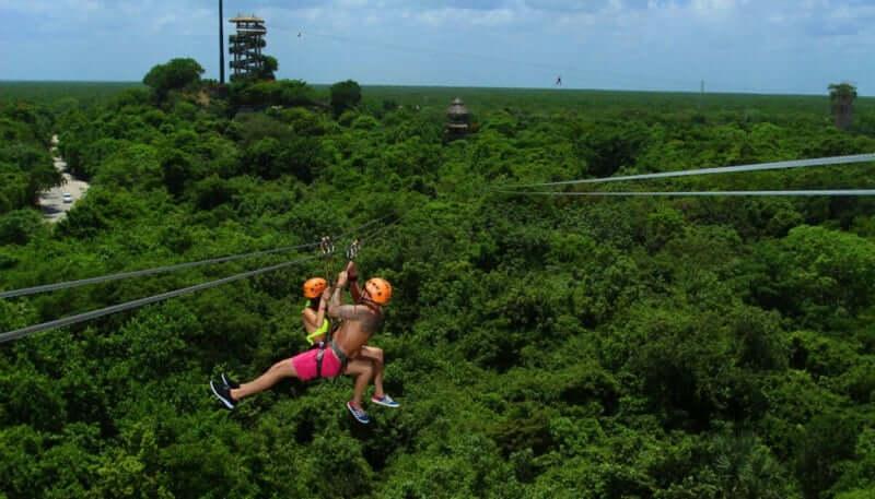 Tirolesas no Xplor Park em Cancún