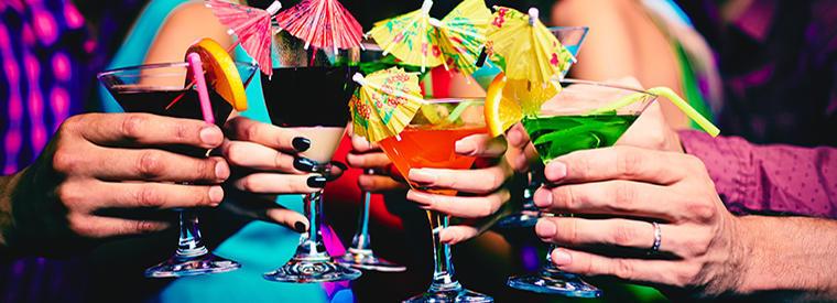 Drinks no bar e balada Mandala em Cancún