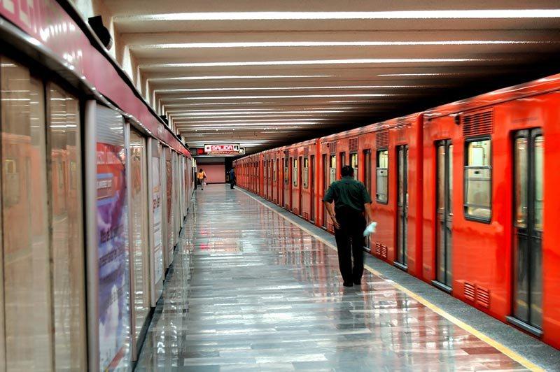 Ir do aeroporto da Cidade do México até o centro de metrô