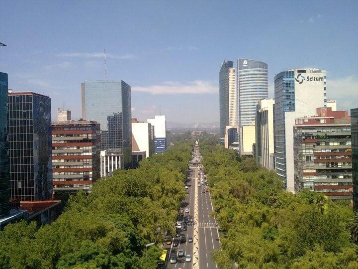 Passeio pela Avenida Paseo de La Reforma na Cidade do México