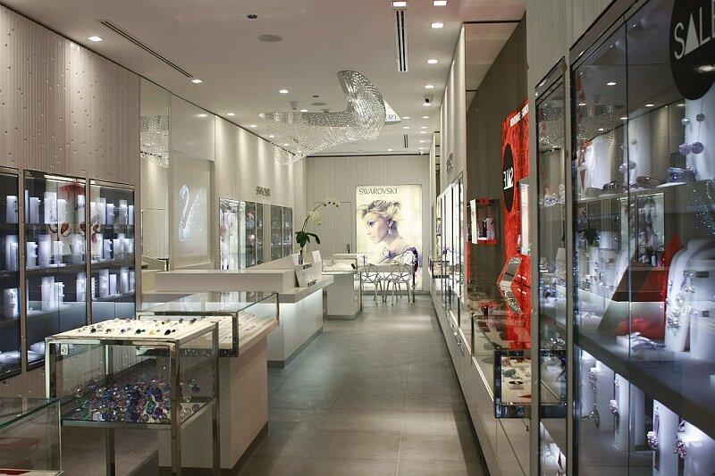 Compras de relógios no shopping Antara Fashion Hall na Cidade do México