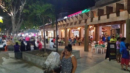 Zócalo a noite em Acapulco