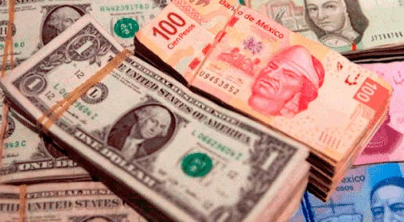 Dólar e peso em todo o México