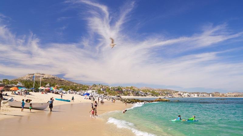 Playa Palmilla no verão em Los Cabos