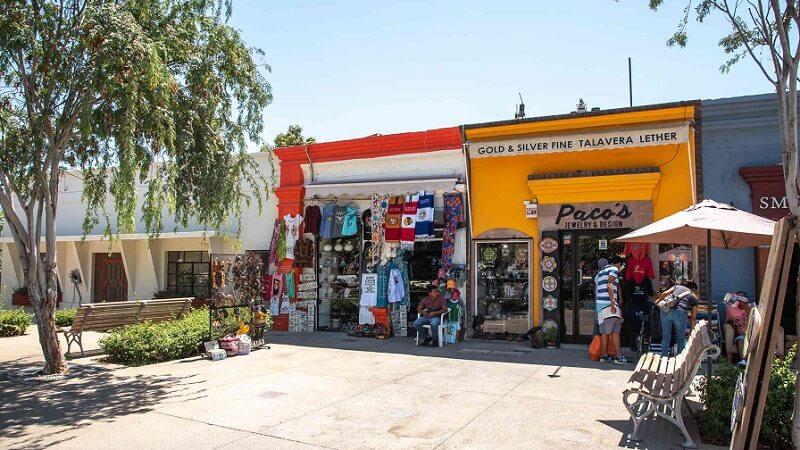 Lojinhas na Plaza Mijares em Los Cabos
