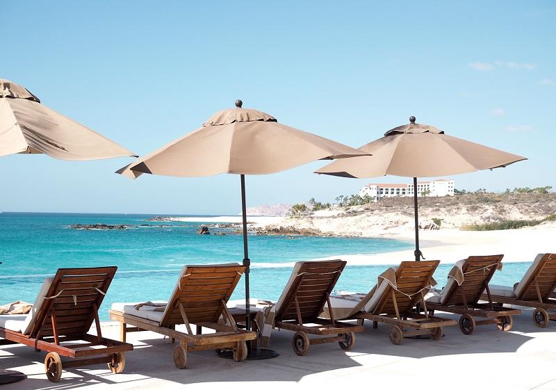 Praia em um roteiro de viagem em Los Cabos