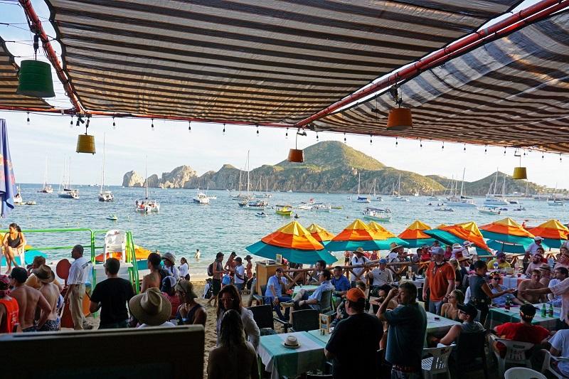 Mango Deck Restaurant, Bar e Beach Club Los Cabos