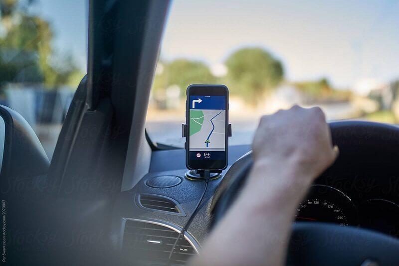 Carro com GPS no celular