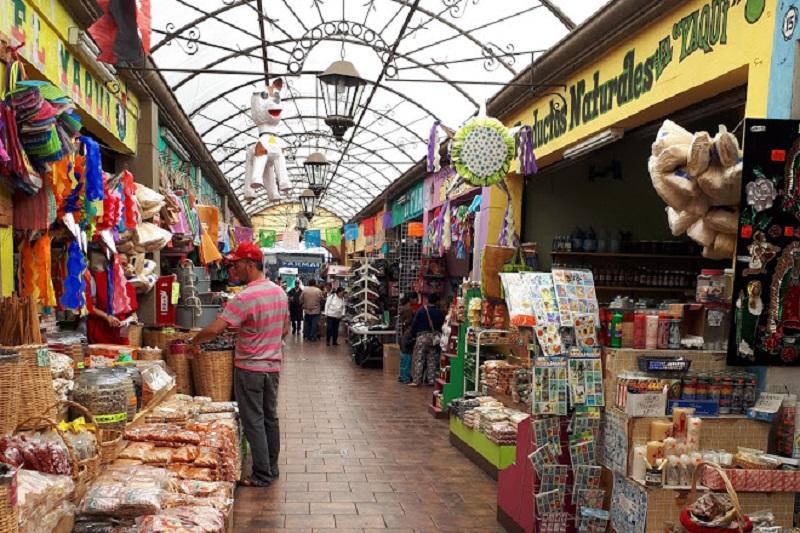 Compras no El Popo Market de Tijuana