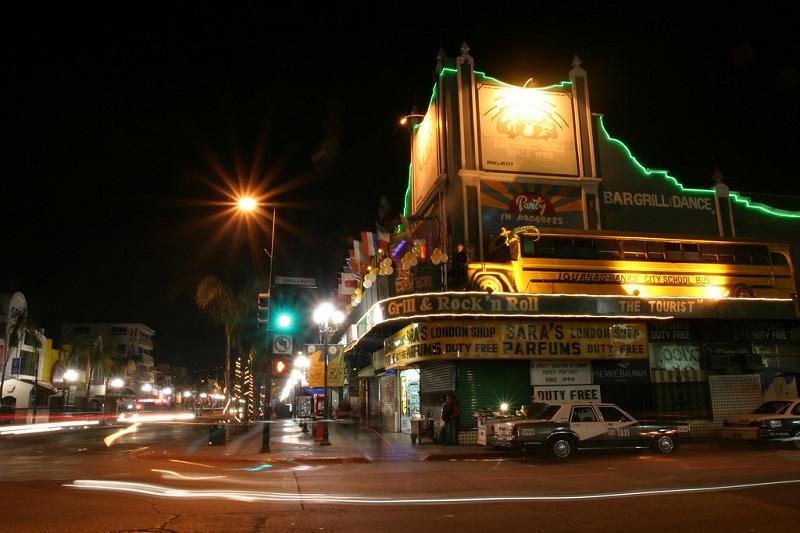 Avenida Revolución de noite