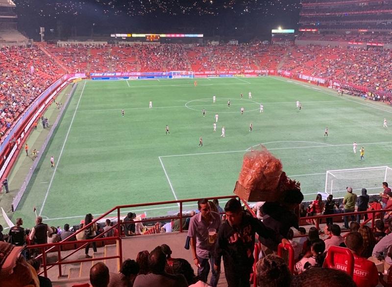 Torcida no Estádio Caliente em Tijuana
