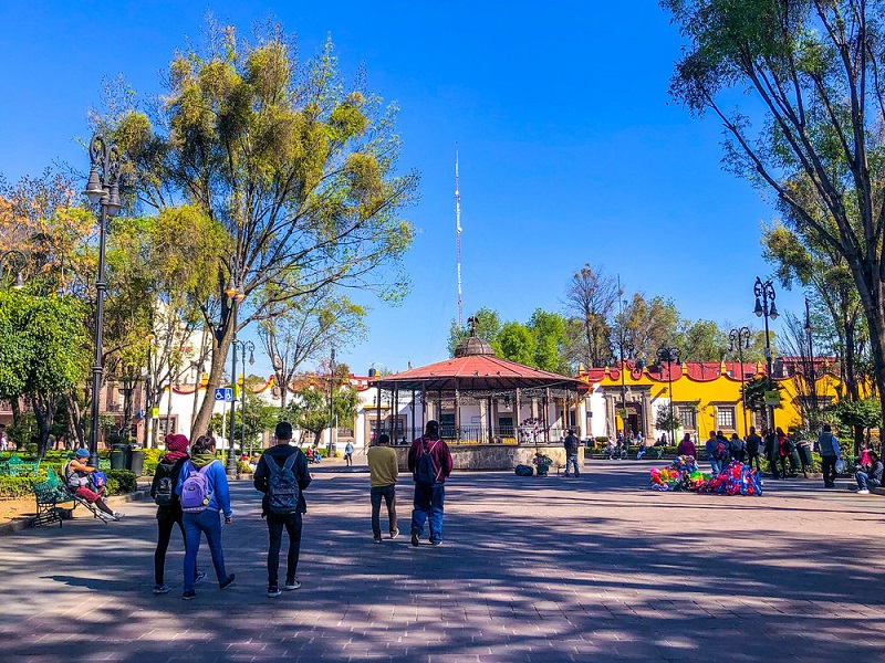 Turistas passeando no México