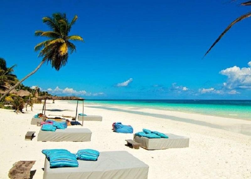 Beach Club na Playa Paraiso em Tulum