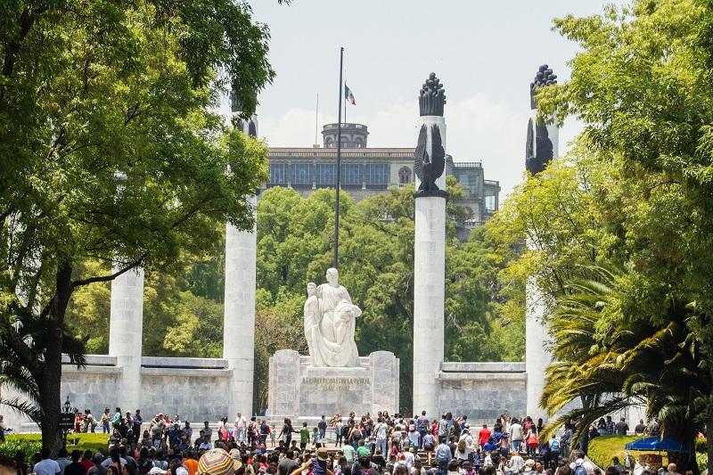 Pessoas no Bosque Chapultepec na Cidade do México