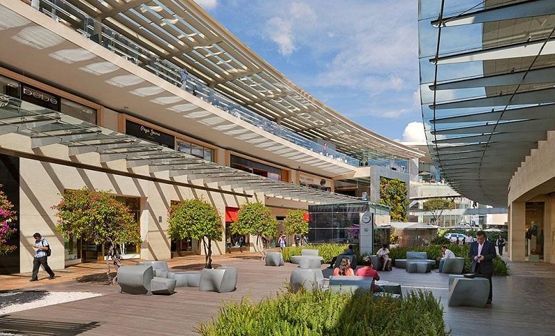 Shopping Antara Fashion Hall