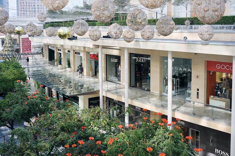 Lojas no Antara Fashion Hall na Cidade do México