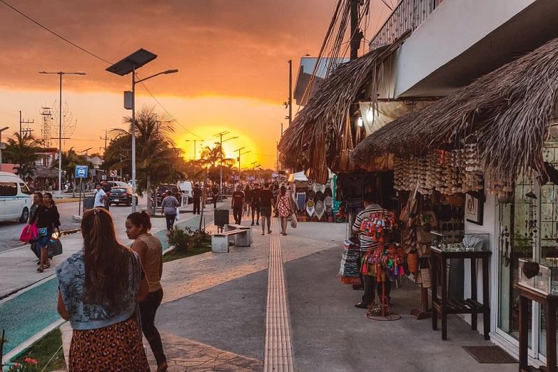 Tulum com pôr do sol