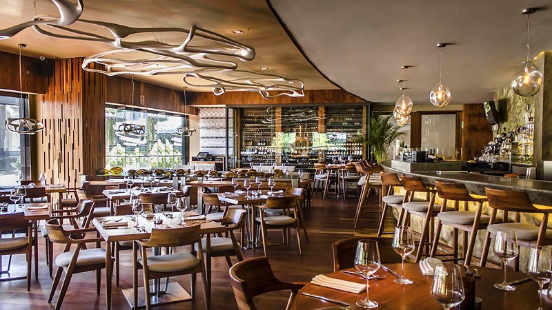 Bar Harry's Steakhouse & Raw Bar em Playa del Carmen