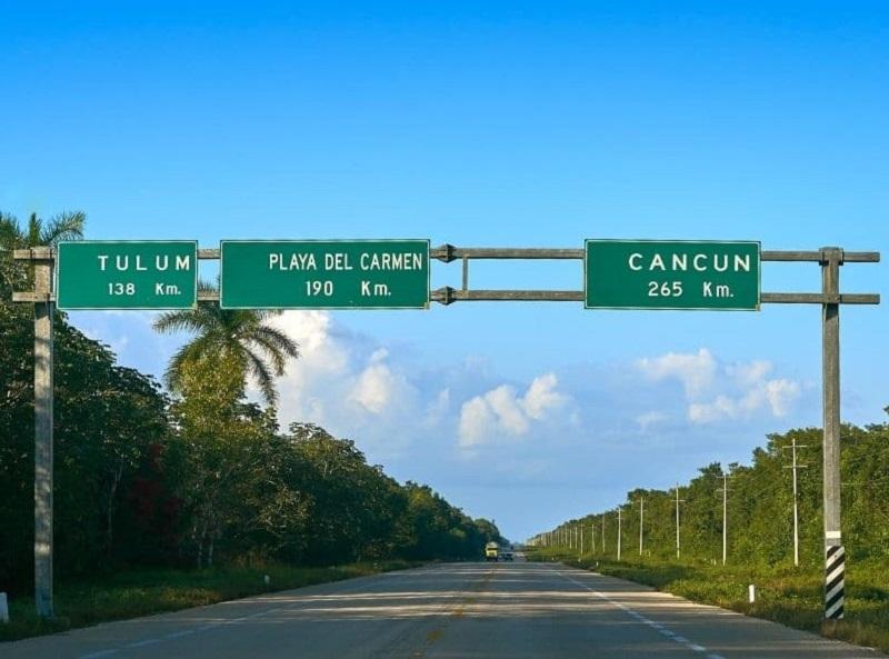 Estrada em Playa del Carmen