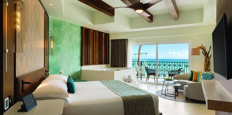 Quarto de hotel luxuoso e com vista pro mar em Playa del Carmen