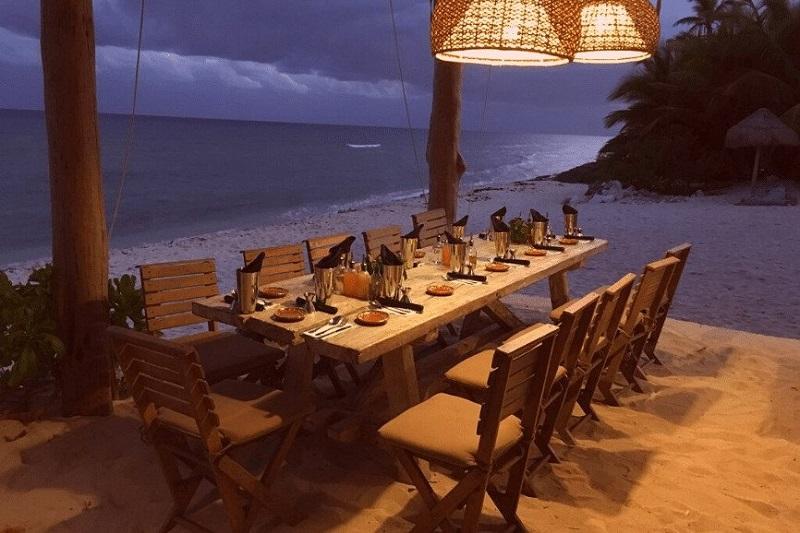 Mesa para jantar em Playa del Carmen