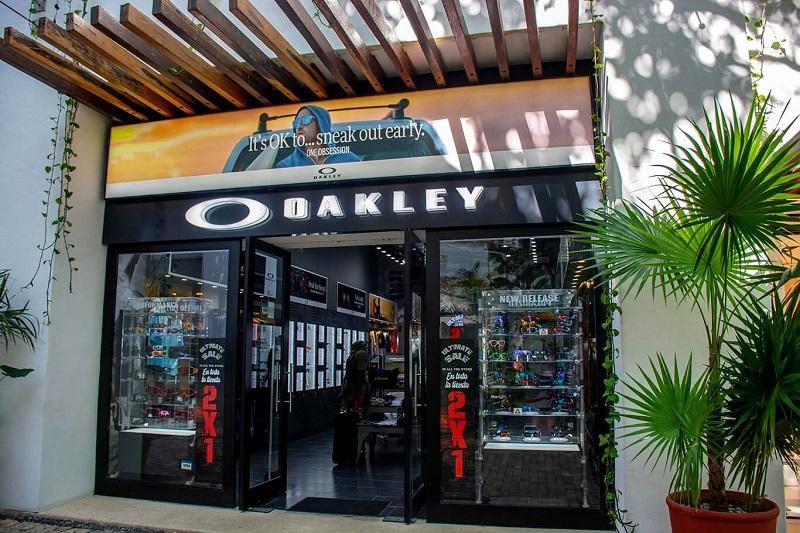 Oakley no Paseo del Carmen Shopping Mall